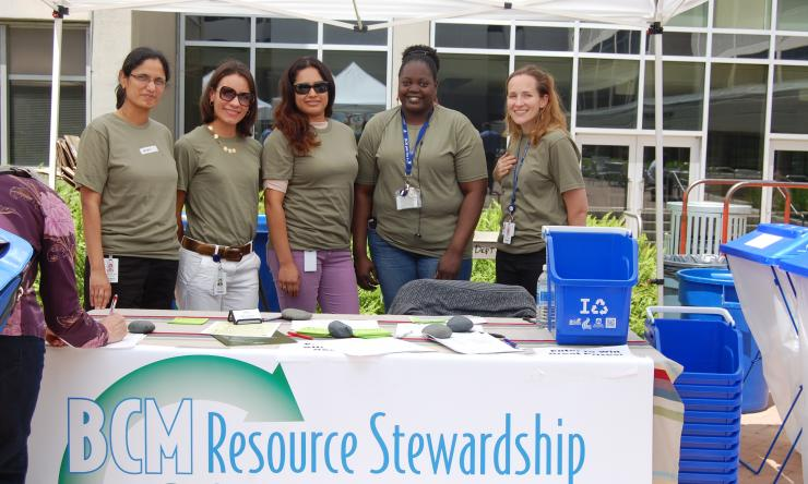 A group of Baylor College of Medicine volunteers providing information about the College's Resource Stewardship and Sustainability Program.