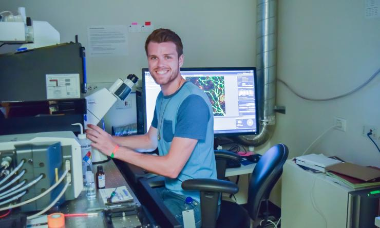 Christopher Cronkite uses cutting edge imaging techniques to study the effects of radiation on dendritic spines.